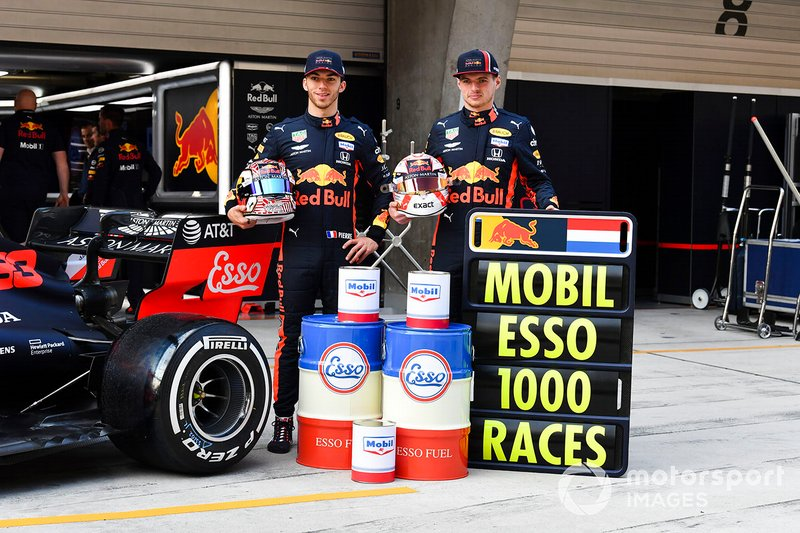 Pierre Gasly, Red Bull Racing y Max Verstappen, Red Bull Racing con Mobil
