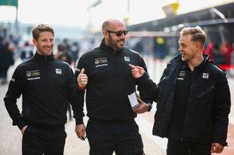 Romain Grosjean, Haas F1 y Kevin Magnussen, Haas F1