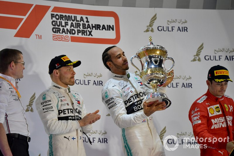 Lewis Hamilton, Mercedes AMG F1, 1st position, lifts his trophy