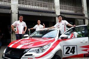Anjasara Wahyu, Adrianza Yunial dan Herdiko Setya Putra, Toyota Team Indonesia