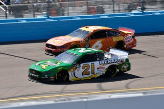 Paul Menard, Wood Brothers Racing, Ford Mustang Menards / Quaker State and Ryan Newman, Roush Fenway Racing, Ford Mustang Oscar Mayer Bacon