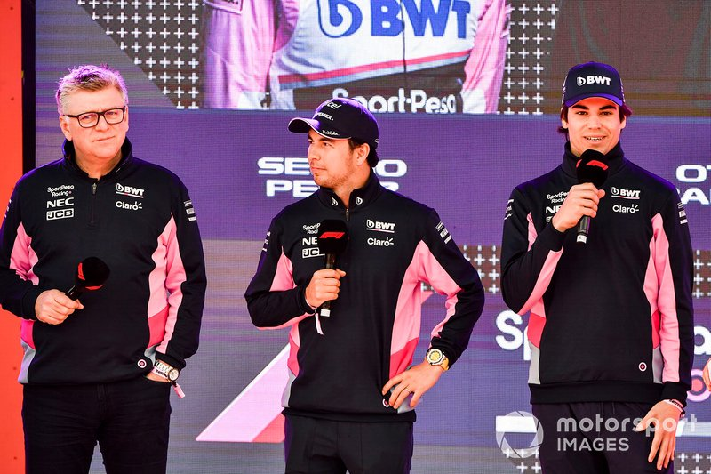 Otmar Szafnauer, Chief Operating Officer, Racing Point, Sergio Perez, Racing Point e Lance Stroll, Racing Point, all'evento a Federation Square