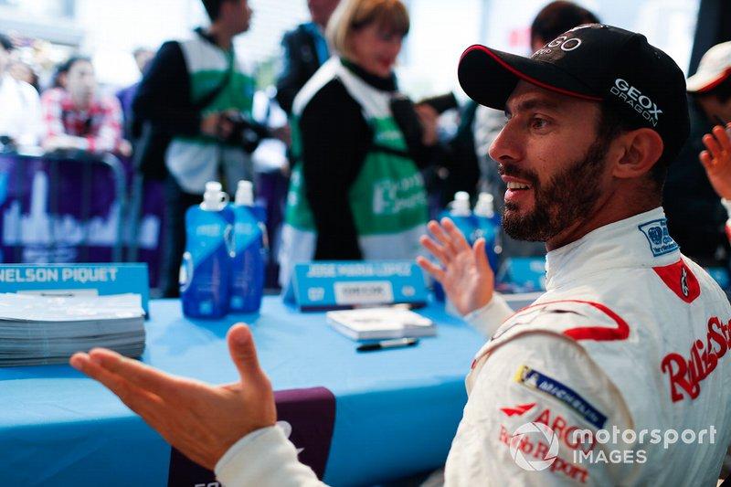 Jose Maria Lopez, Dragon Racing alla sessione d'autografi