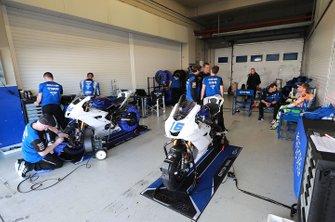 Jules Cluzel, GMT94 Yamaha's garage