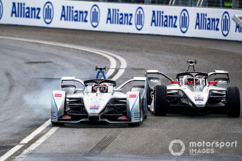 Эдоардо Мортара, Venturi Formula E Team, Venturi VFE05, и Максимилиан Гюнтер, Dragon Racing, Penske EV-3