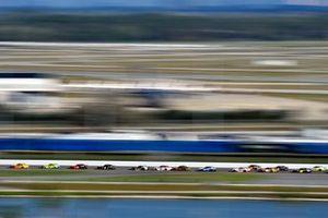 Joey Logano, Team Penske, Ford Mustang Shell Pennzoila nd Ryan Blaney, Team Penske, Ford Mustang Menards/Peak