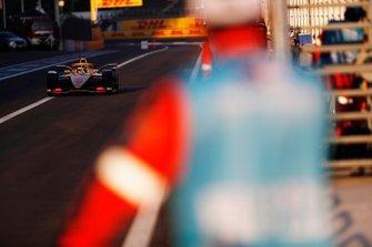 Andre Lotterer, DS TECHEETAH, DS E-Tense FE19 exits the pit lane