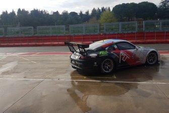 Porsche Tsunami RT, in pit lane