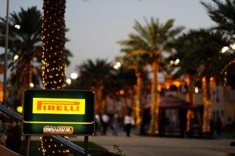 Pirelli dans le paddock