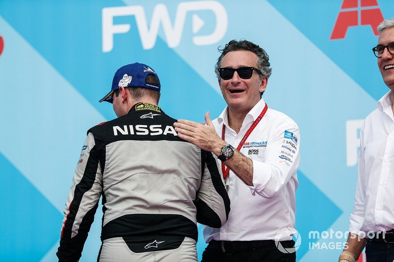 Oliver Rowland, Nissan e.Dams, with Alejandro Agag, CEO, Formula E, on the podium