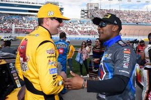 Kyle Busch, Joe Gibbs Racing, Toyota Camry M&M's Chocolate Bar, Antron Brown.