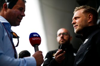 Kevin Magnussen, Haas F1 speaks with the Ted Kravitz, Sky, TV