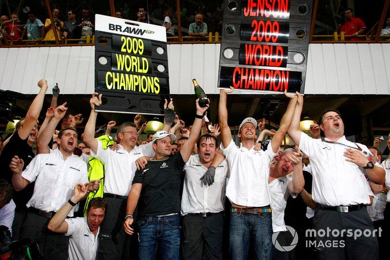 A temporada 2009 viu um dos maiores contos de fadas da história da F1. Dos 'restos' da Honda, surgiu a fulminante Brawn, que sacramentou o título de construtores no Brasil em seu único campeonato disputado. Barrichello terminou o ano em terceiro e Jenson Button faturou seu único caneco.