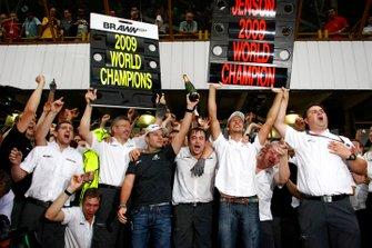 Rubens Barrichello, Jenson Button and the Brawn GP team celebrate