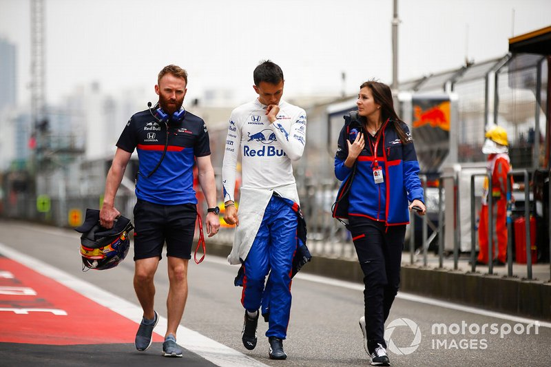 Alexander Albon, Toro Rosso returns from the medical centre after his crash