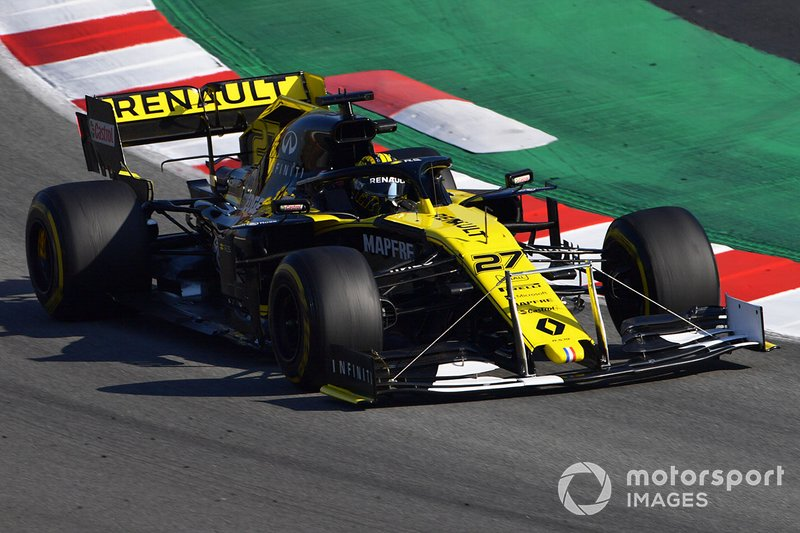 Renault F1 Team R.S. 19 with front wing device