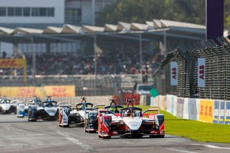 Pascal Wehrlein, Mahindra Racing, M5 Electro Oliver Rowland, Nissan e.Dams, Nissan IMO1, Lucas Di Grassi, Audi Sport ABT Schaeffler, Audi e-tron FE05, allen in attack mode