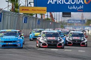 Esteban Guerrieri, ALL-INKL.COM Münnich Motorsport Honda Civic Type R TCR leads