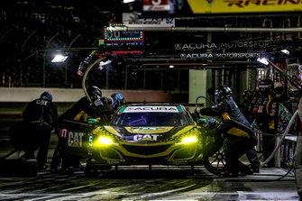 #57 Meyer Shank Racing w/ Curb-Agajanian Acura NSX GT3, GTD: Katherine Legge, Ana Beatriz, Simona De Silvestro, Christina Nielsen, pitstop