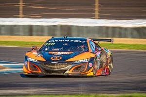 #77 Compass Racing Acura - Honda NSX GT3 Evo: Ashton Harrison, Matt McMurry, Mario Farnbacher