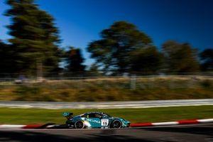 #19 Black Falcon Team IDENTICA Porsche 911 GT3 R: Noah Nagelsdiek, Carlos Rivas, Hendrik Von Danwitz