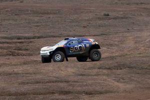 The broken suspension on the car of Sara Price, Kyle Leduc, Chip Ganassi Racing