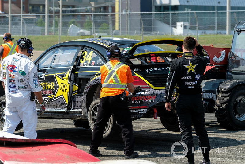 Volkswagen Trois Rivieres >> Car Of Tanner Foust Volkswagen Being Towed After A Front