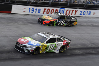 Kyle Busch, Joe Gibbs Racing, Toyota Camry M&M's White Chocolate, Martin Truex Jr., Furniture Row Racing, Toyota Camry Bass Pro Shops/Ducks Unlimited