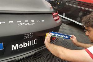 Preparazione della Porsche 911 GT3 Cup di Diego Locanto, AB Racing