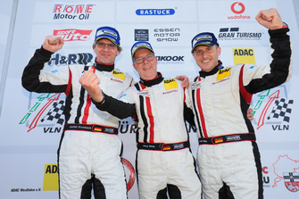 Podium: #22 Wochenspiegel Team Monschau Ferrari 488 GT3: Georg Weiss, Oliver Kainz, Jochen Krumbach