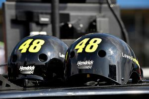Jimmie Johnson, Hendrick Motorsports, Chevrolet Camaro Lowe's for Pros helmets