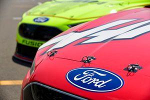 Kurt Busch, Stewart-Haas Racing, Ford Fusion Haas Automation/Monster Energy, Paul Menard, Wood Brothers Racing, Ford Fusion Menards / Sylvania