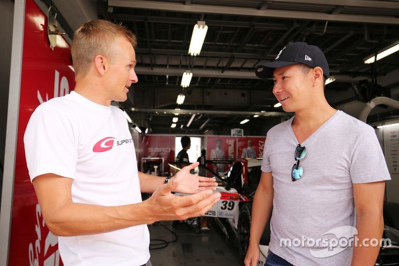 Heikki Kovalainen dan Kamui Kobayashi(#39 DENSO KOBELCO SARD LC500)