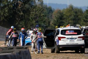 Marco Andretti, Herta - Andretti Autosport Honda, Ed Jones, Chip Ganassi Racing Honda, nach Crash