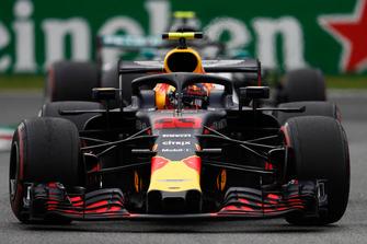 Max Verstappen, Red Bull Racing RB14 Tag Heuer, Valtteri Bottas, Mercedes AMG F1 W09