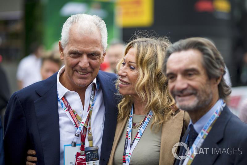 Tronchetti Provera (paling kiri), Presiden Pirelli