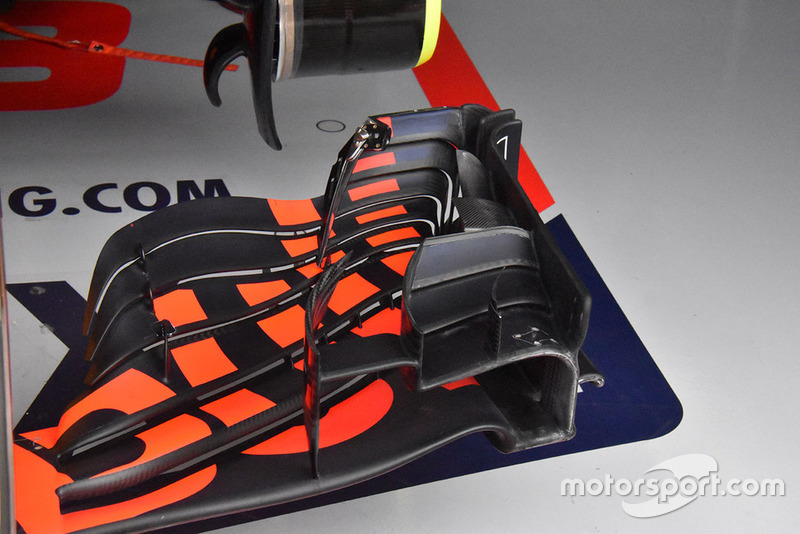 Red Bull Racing RB14 detalle del ala frontal