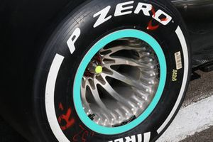 Mercedes AMG F1 W09 rim detail