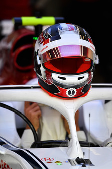 Charles Leclerc, Sauber C37 and helmet