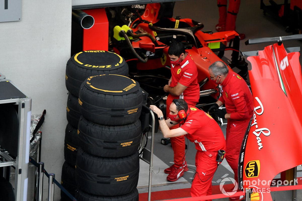 Ferrari si prepara