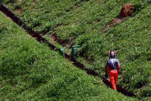 Tiago Monteiro, Spyker MF1 Racing M16 regresa caminando