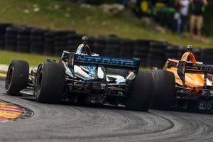 Felix Rosenqvist, Chip Ganassi Racing Honda, Patricio O'Ward, Arrow McLaren SP Chevrolet, lead pass