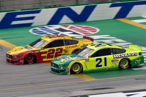 Joey Logano, Team Penske, Ford Mustang Shell Pennzoil and Matt DiBenedetto, Wood Brothers Racing, Ford Mustang Menards/Quaker State