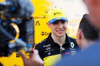Esteban Ocon, Renault F1 Team with medias