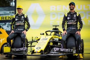 Esteban Ocon, Renault F1 Team and Daniel Ricciardo, Renault F1 Team