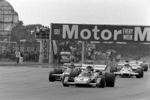Jacky Ickx, Ferrari 312B2, Ronnie Peterson, March 711 Ford, Tim Schenken, Brabham BT33 Ford
