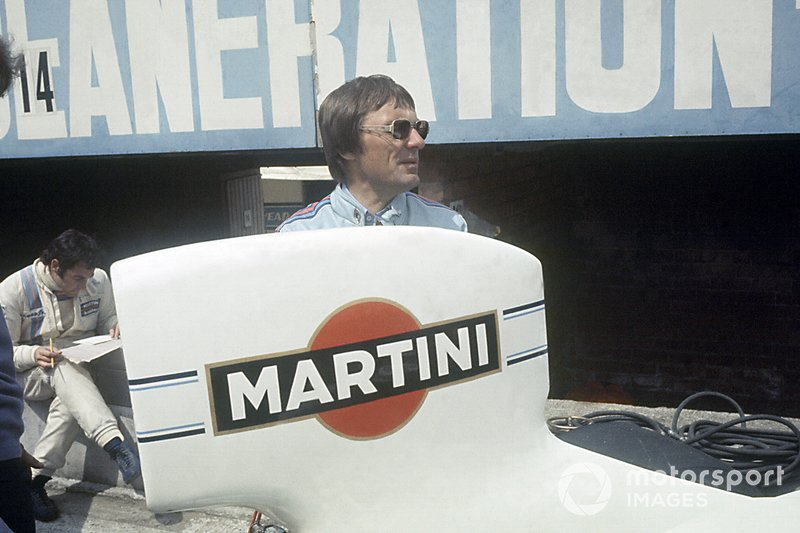 Bernie Ecclestone and Carlos Pace, Martini Brabham BT44B-Ford