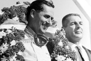 Podio: Ganador de la carrera Jack Brabham, Brabham