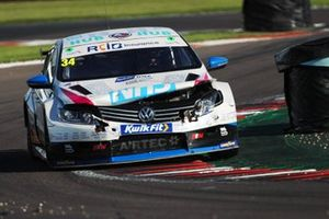 Ollie Brown, RCIB Insurance Racing with Team HARD. Volkswagen CC