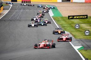 Oscar Piastri, Prema Racing, Frederik Vesti, Prema Racing en Alexander Peroni, Campos Racing